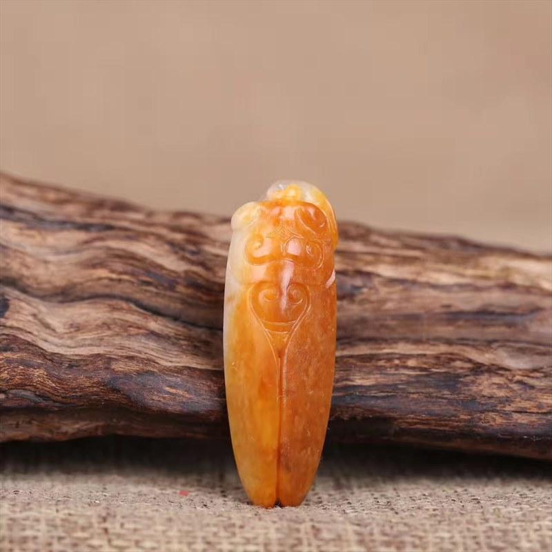 和田玉籽料蝉挂件精品雕工玉质精美寓意一鸣惊人
